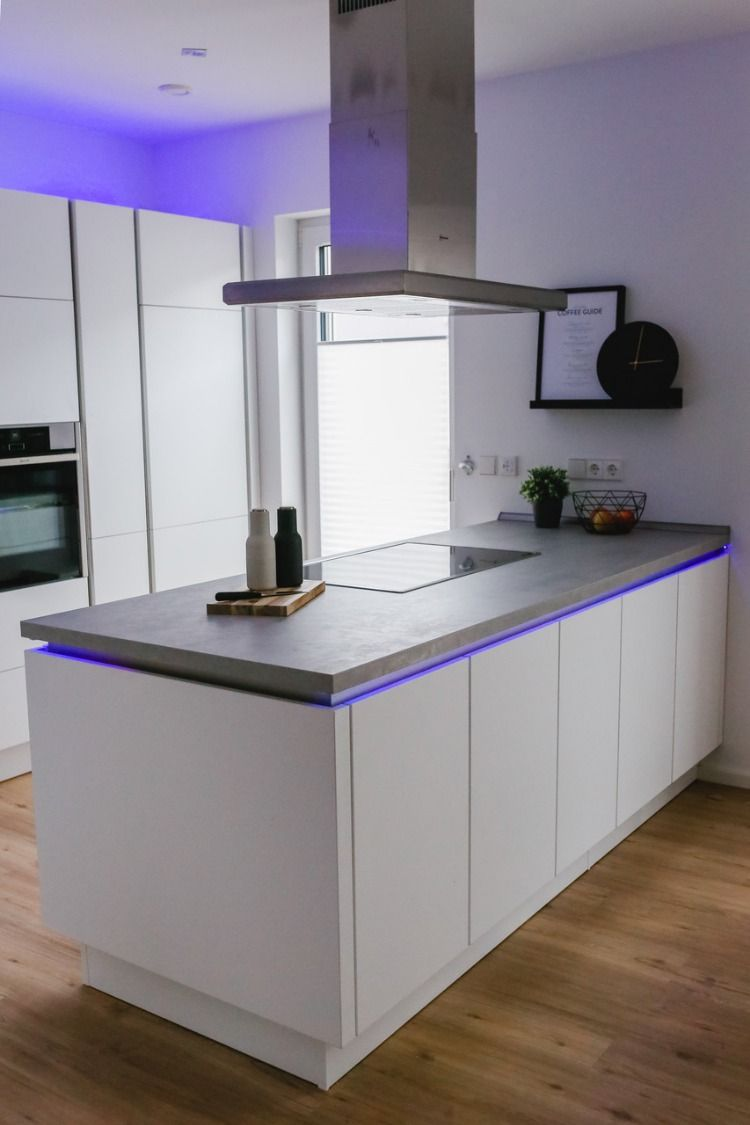 Diy Idee Fur Die Kuche Indirekte Beleuchtung Led Lichtleiste Led Stripes Led