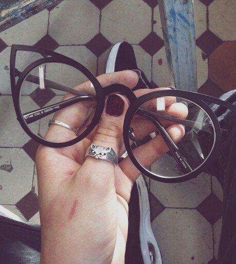 a3e56d042 Óculos GATINHO Oculos De Descanso, Modelos De Oculos Feminino, Oculos De  Grau Tumblr,