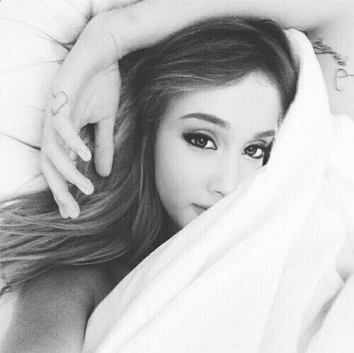 foto de Ariana grande❤ | Cara delevingne instagram
