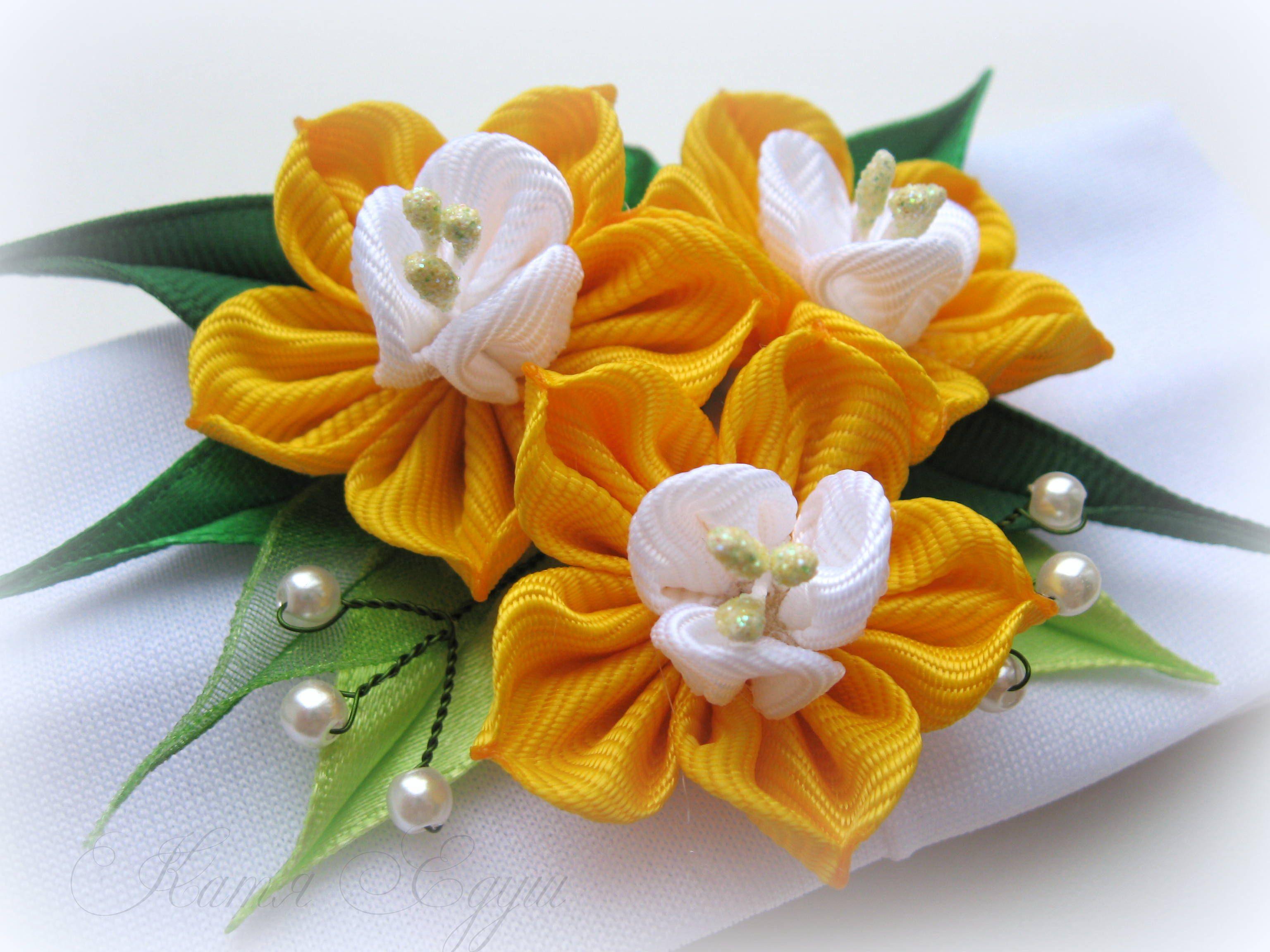 Kanzashi Flowers Https Www Facebook Com Katyayedush Ribbon Flowers Diy Fabric Flowers Kanzashi Flowers