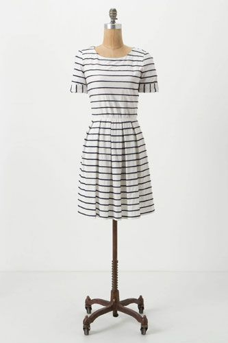 Cute, cute, cute. Great easy dress to try and make.