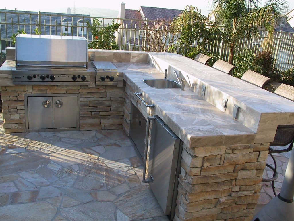 Bbq island ideas bbq islands super bowl pinterest for Backyard barbecues outdoor kitchen