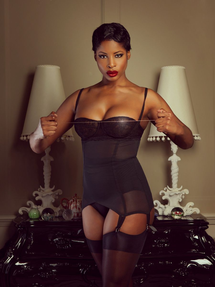 models Mature ebony lingerie