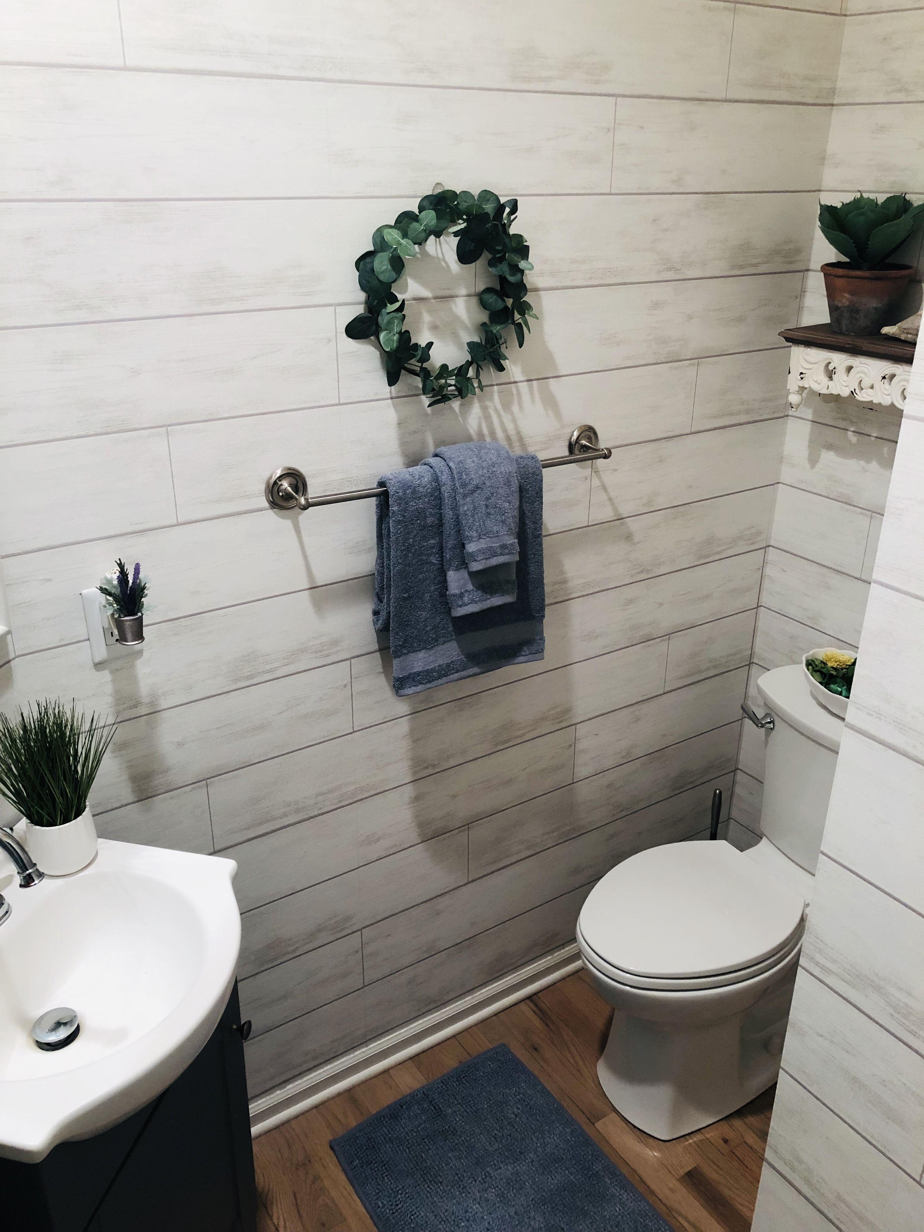 Shiplap Bathroom Joanna Gaines Wallpaper Shiplap Bathroom Bathroom Wallpaper Trends Joanna Gaines Wallpaper