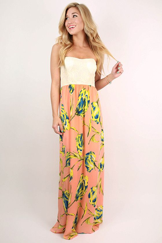 You'll look glamorous and have fun in this maxi dress!
