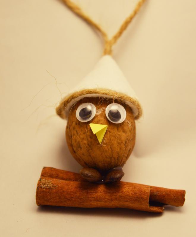 Kto je Pipo?  Pipo je malý vtáčik, ktorému je zima a treba ho uchýliť do tepla domova a zavesiť na stromček.....  Pipo je jednoducho vtáča, ktorému nikto neodolá.  Páči sa vám? Poďme si je...