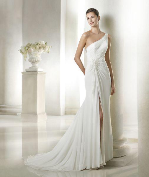 Distinguida y osada a la vez, vestidos de novia con escote ...
