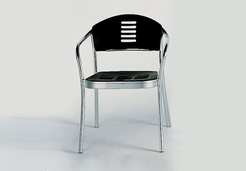 Mauna kea outdoor chair by kartell. both the design of its form and