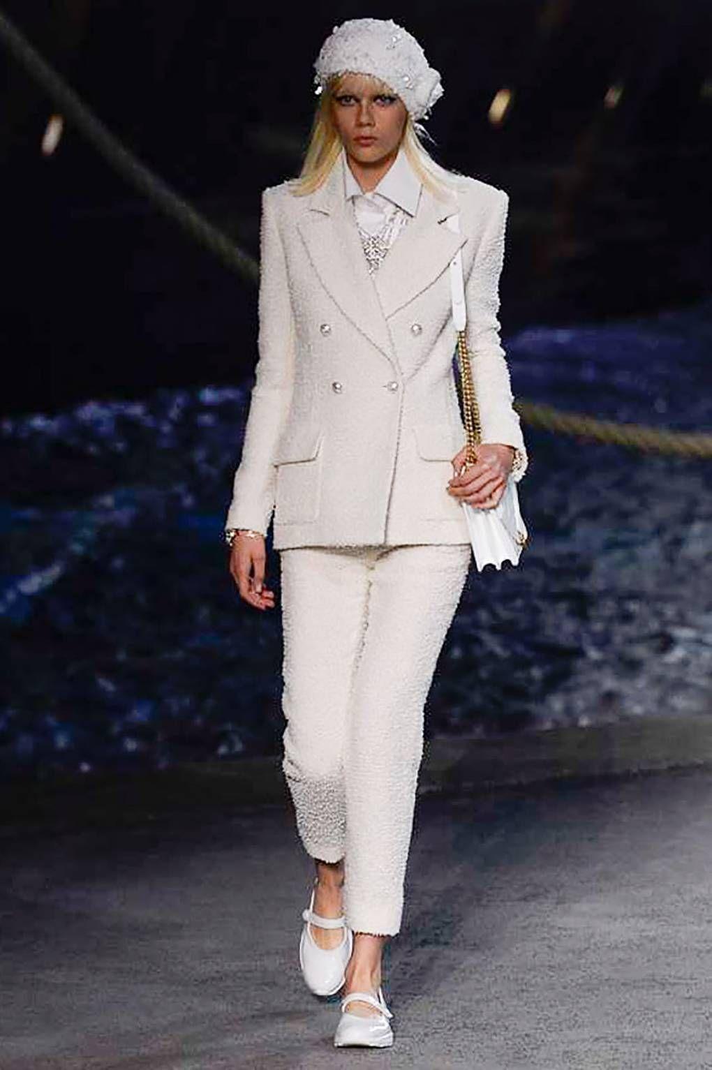 Tailleur Pantalon, Tendance Ete 2018, Haute Couture, Tenue Chanel, Mode  Chanel, 01b7c7023d2