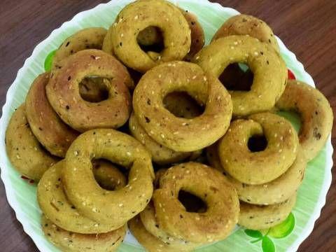 طريقة عمل كعك التمر بزيت الزيتون بالصور من وصفات أم محمد الوردة البيضاء 1 Recipe Food Arabic Food Recipes
