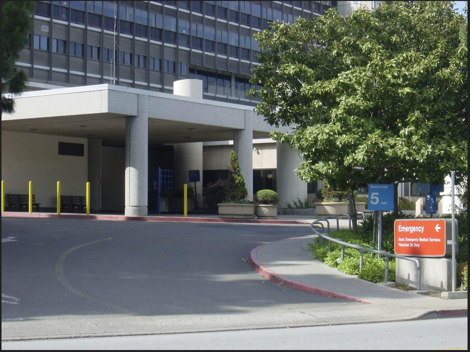 The Old Kaiser Permanente Hospital Over Off Homestead And Kiely In Santa Clara This Was The Ambulance Entra Santa Clara Santa Clara California Silicon Valley