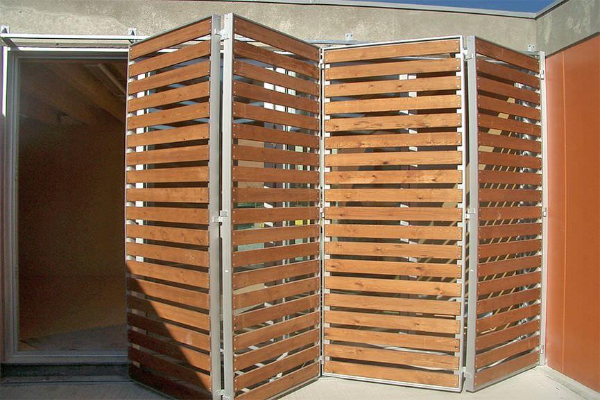 Contraventanas plegables de madera para fachadas - Puertas plegables madera ...