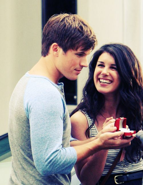 I Want To Be Proposed To Like Annie Was 90210 Pinterest