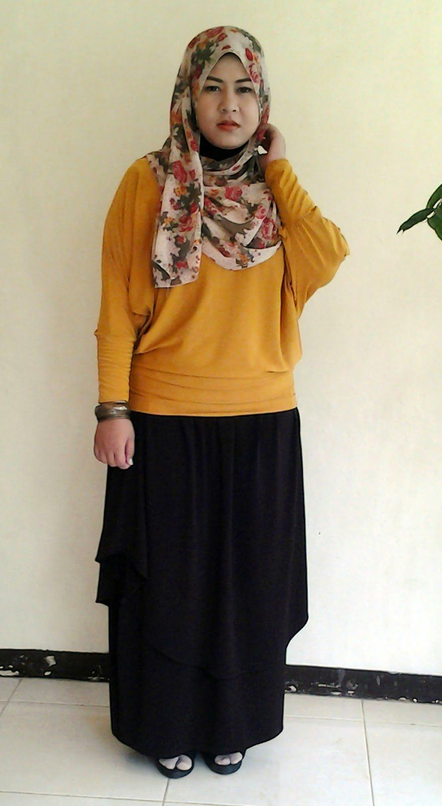 Baju Warna Kuning Kunyit Cocok Dengan Jilbab Warna Apa