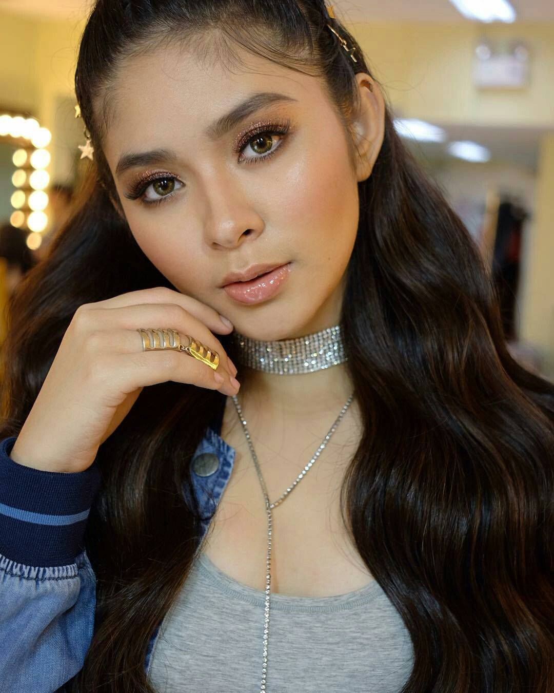 Pin by Anggi Kato on Loisa Andalio idola ☆ Choker