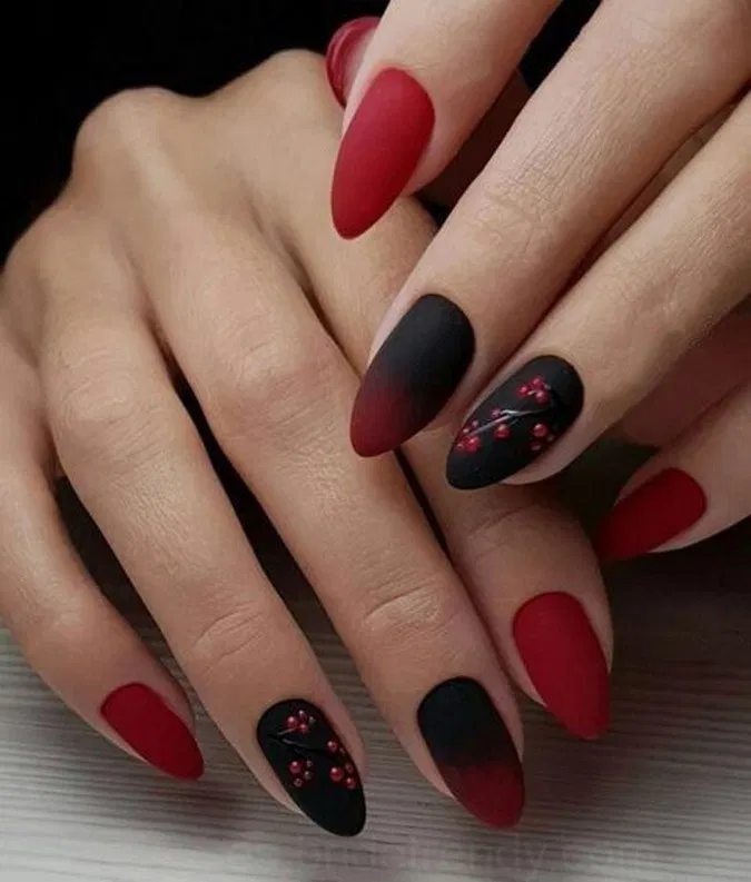 Pin by Sabine Hänsch on Tips and Toes in 2020 Black nail
