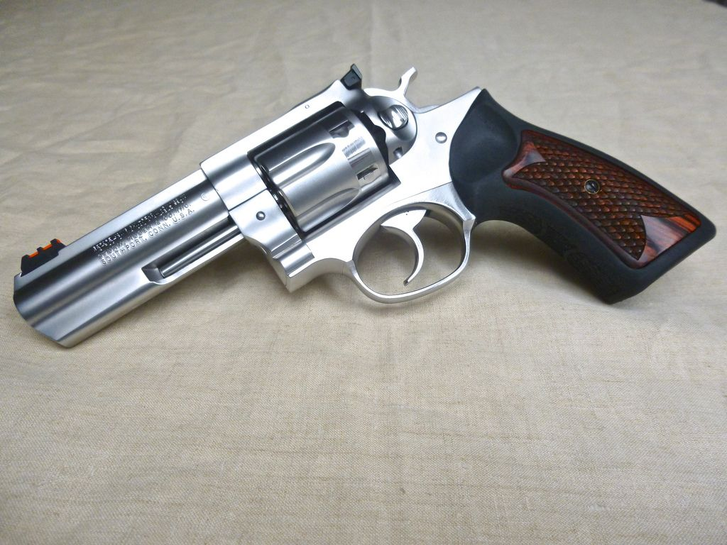 Ruger GP100 altamont grips polished and bead blasted 04