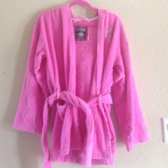 Victoria Secret PINK Bath Robe Victoria secret pink bath robe for sale! PINK Victoria's Secret Intimates & Sleepwear Robes