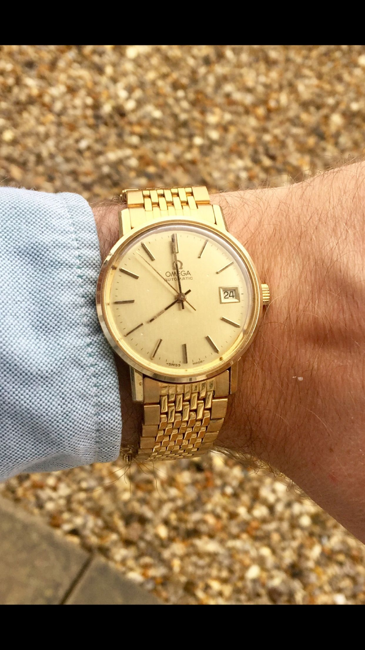 5f42f8e253a Omega Geneve Gold Watch Cal 1012