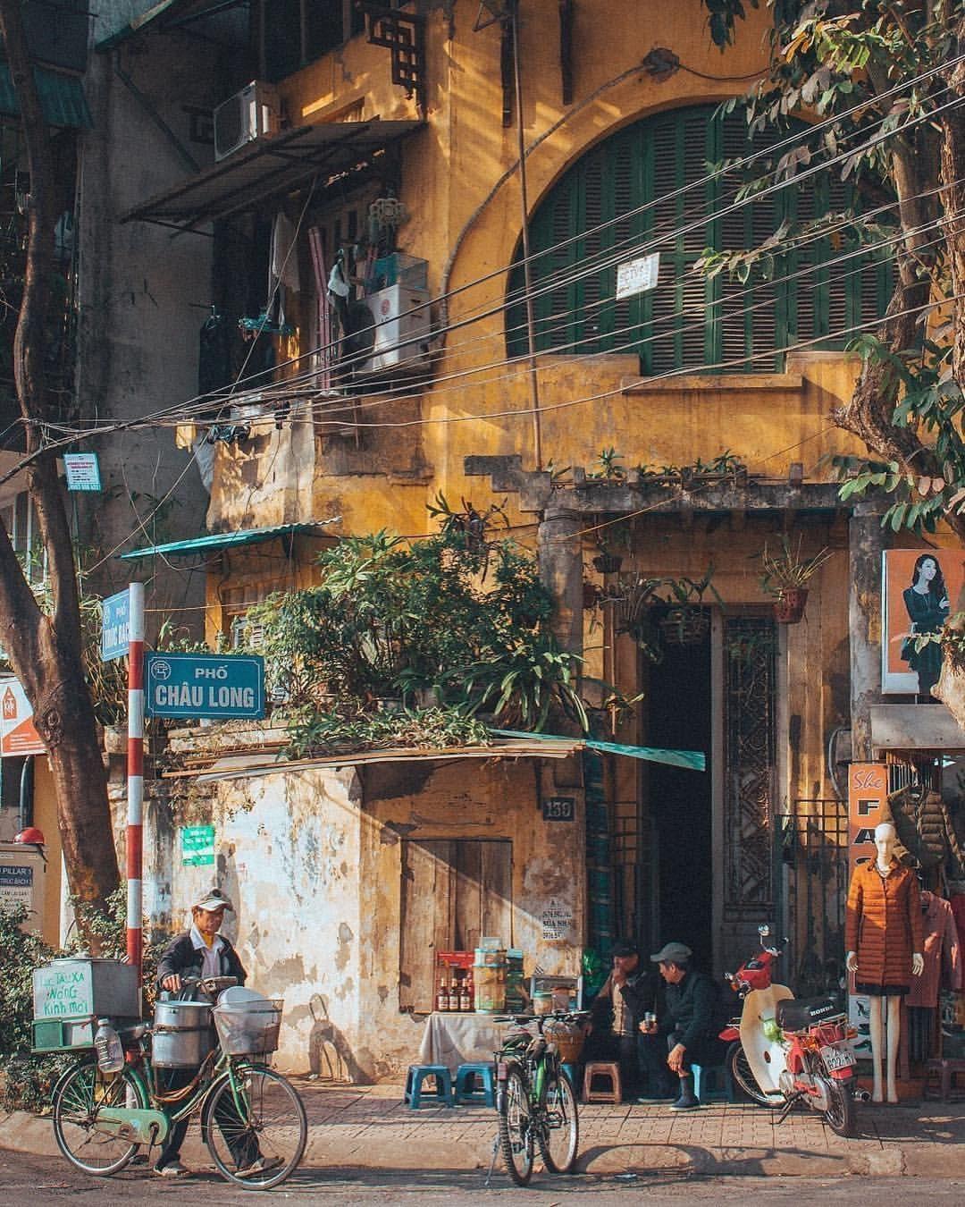 "2,075 Likes, 32 Comments - Hanoi - Vietnam 🇻🇳🇻🇳 (@hanoicapital) on Instagram: ""Good morning Hanoi. Isn't it easy…   Hanoi, Street photography, Beautiful vietnam"