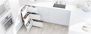 Znalezione Obrazy Dla Zapytania Szuflada Pod Zlewozmywak Blum Corner Kitchen Cabinet Kitchen Projects Kitchen Corner