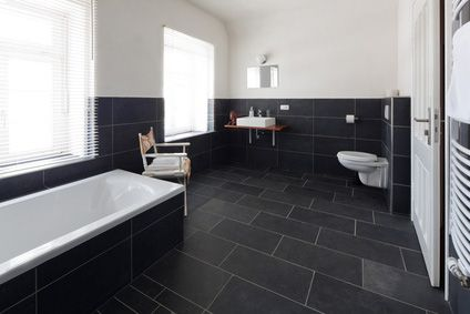 Bad Fliesen Ideen Schwarz Weiß | Möbelideen Badezimmer Fliesen Schwarz