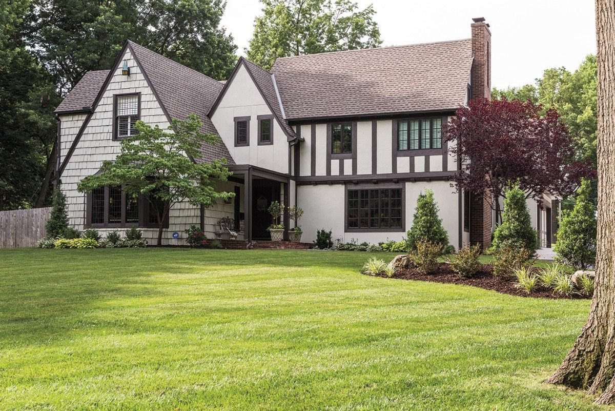 A 1920s Tudor Designed By Edward Tanner Is Transformed
