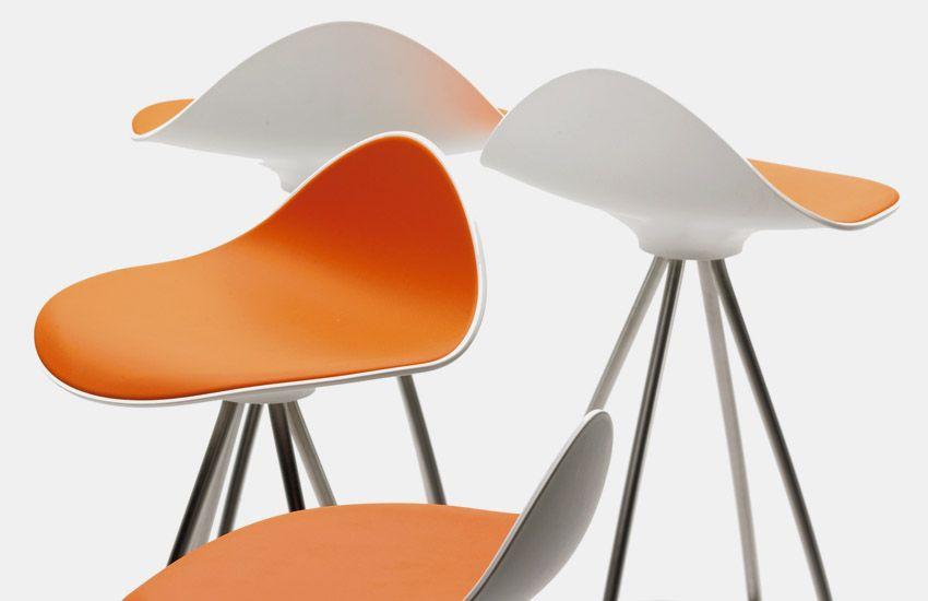 Onda two-tone-swivel stools, original design by Jesus Gasca for STUA.STUA Design Etc