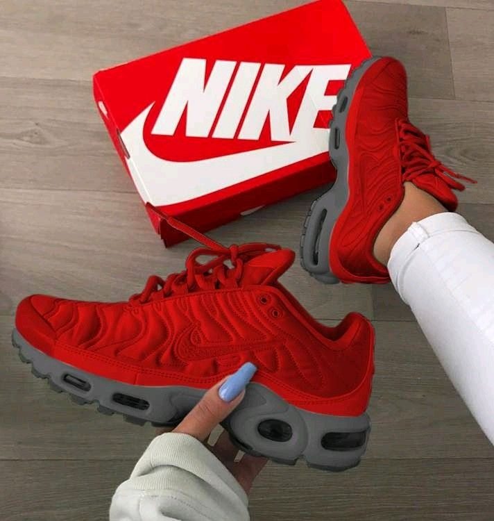 Pin by Jessica Sayyha on Shoes, shoes, nd more shoes in 2019   Nike ... b6c5d9f417c