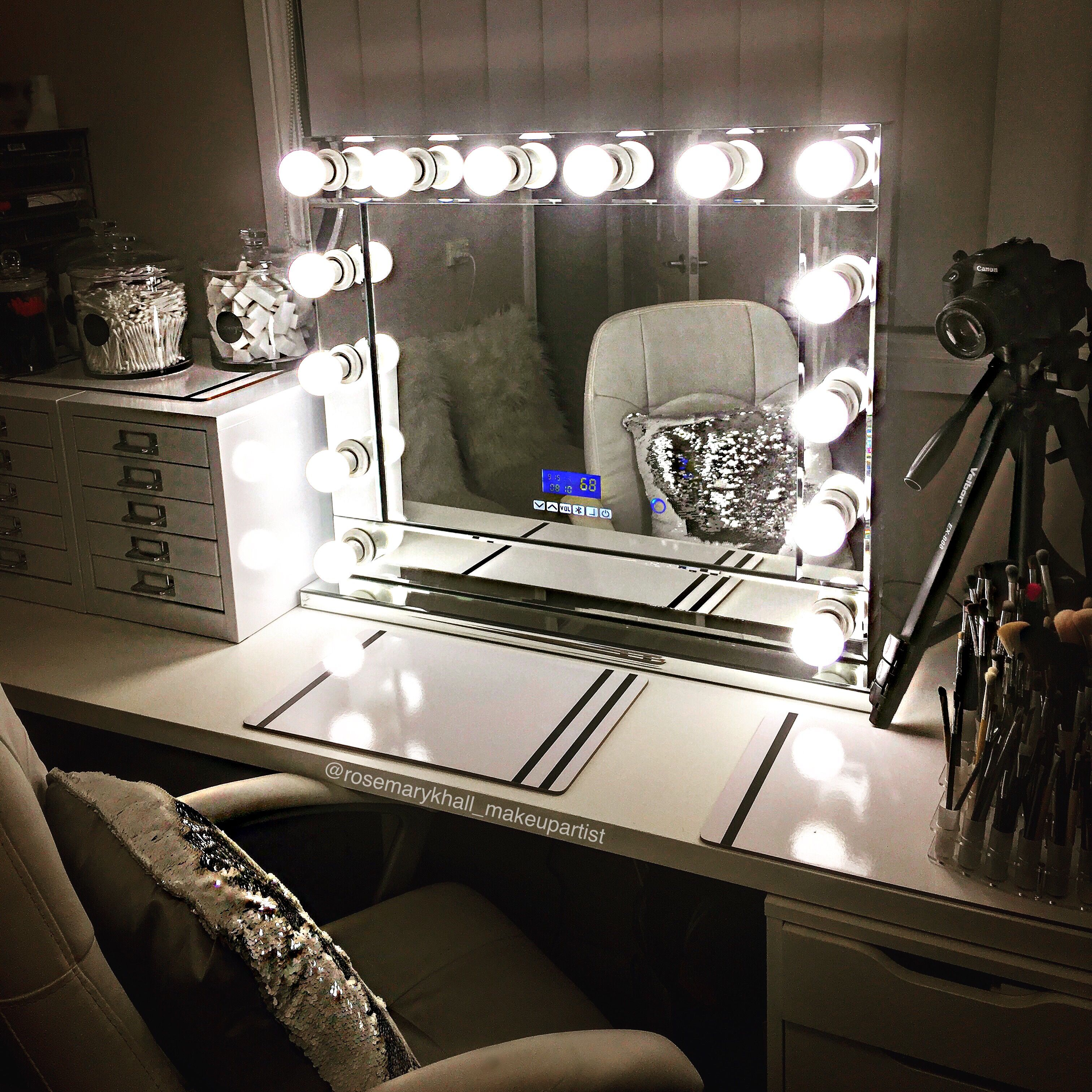 Hollywood Mirror with Bluetooth Speakers Extra Large