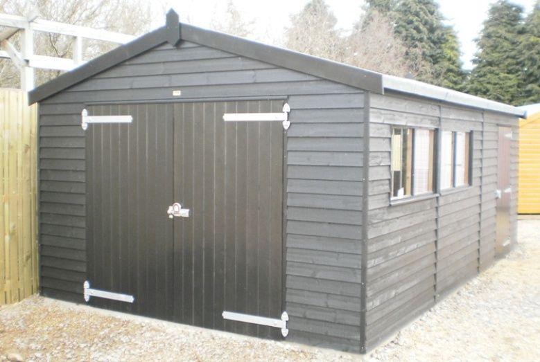 3 6 x garageblack sikkens paint system weatherboard for Weatherboard garage designs