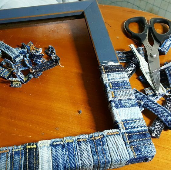 74 Awesome DIY ideas to recycle old jeans #recycledcrafts