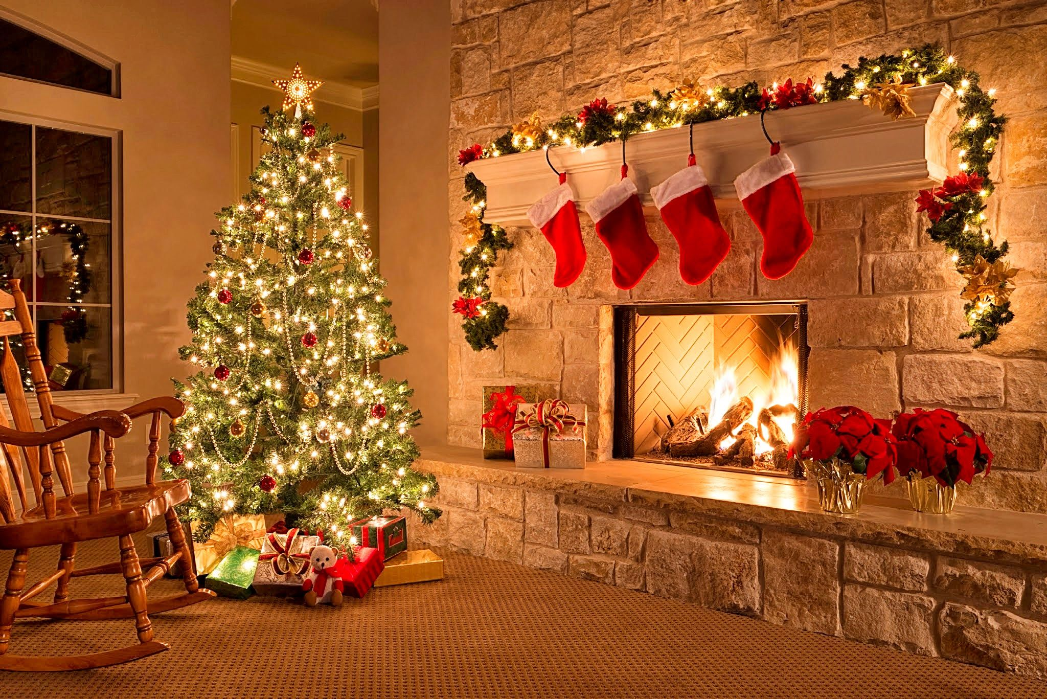 Christmas The Holiday Season Around The World Different Countries &
