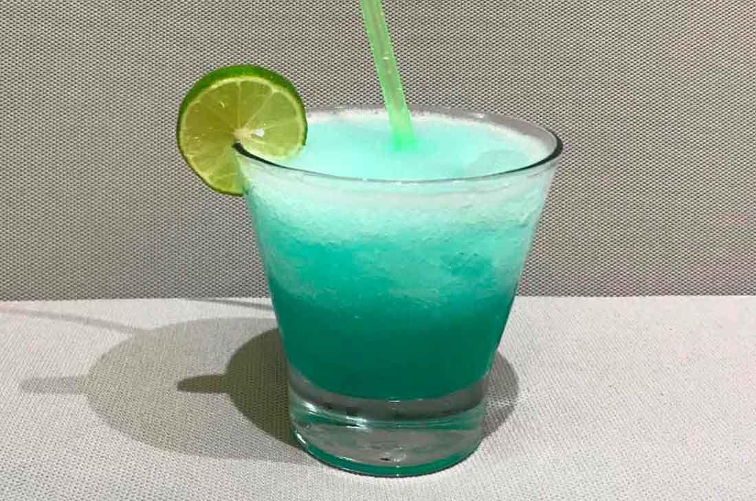 Receta De Margarita Azul Cómo Hacer Una Margarita Receta Margarita Receta Recetas De Bebidas Cócteles De Tequila