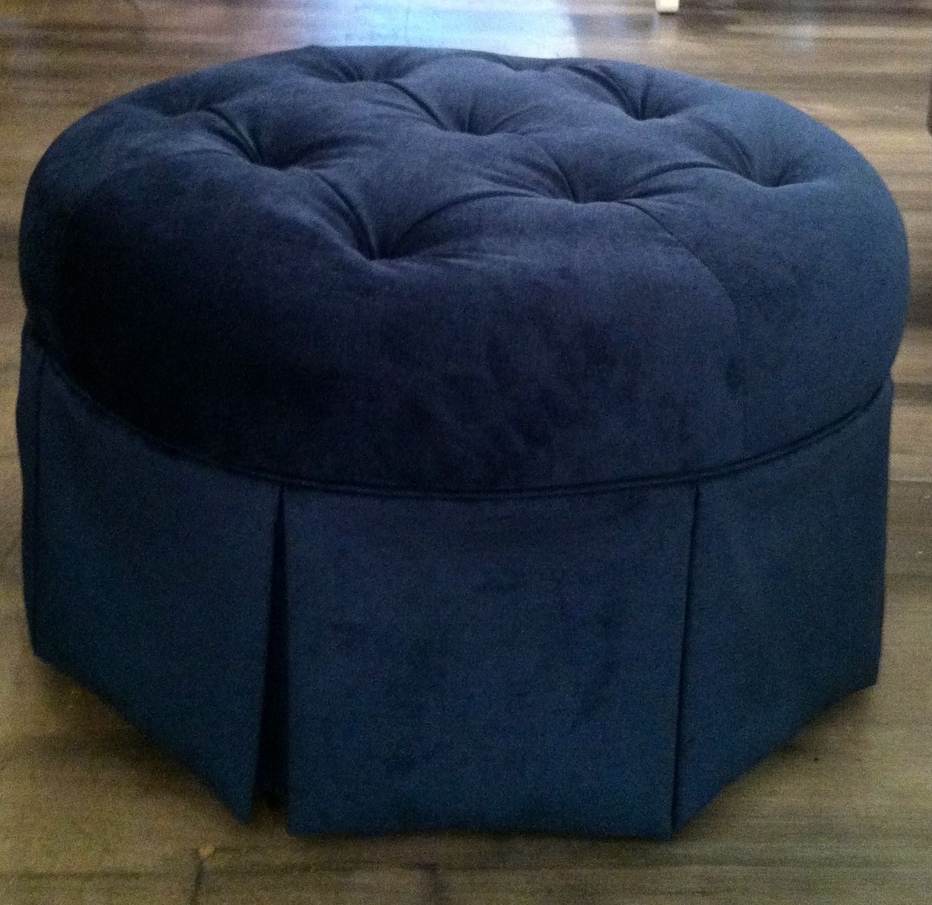 Tufted Round Ottoman from