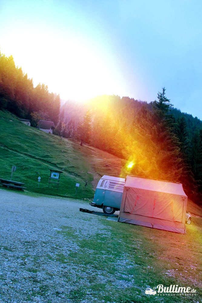 Our life during the Golden October 2013. My brave T2 Bulli from 1975 and the very suitable Oztent from Gerhard. Early in the morning sun.