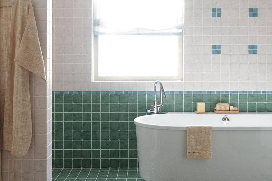 Tomasi ceramiche propone la serie classica stone marble stone marble una ricca collezione - Rivestimenti bagno classici ...