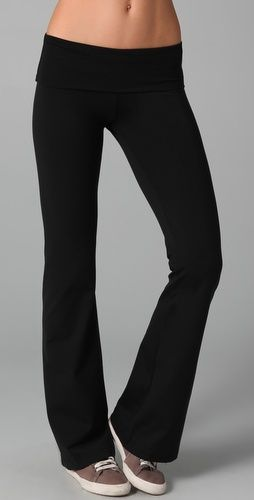 Lounge Bottoms 5: Love yoga pants!