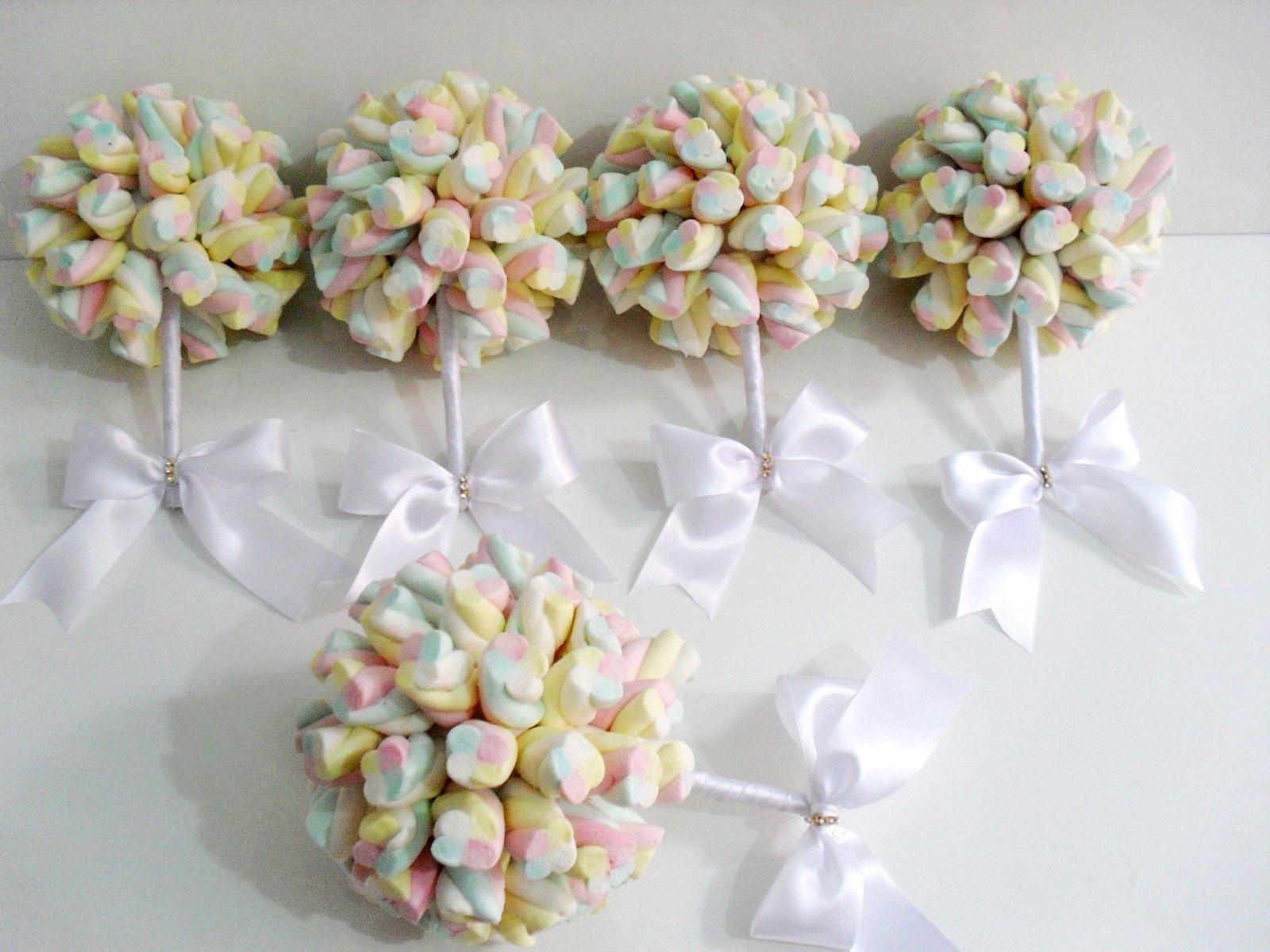 Olá a todos! Hoje vamos ver como criar um lindo buquê de marshmallow passo a passo. Você que gosta de artesanato, não pode perder os posts tipo passo a passo das quartas-feiras, nos quais sempre tr…