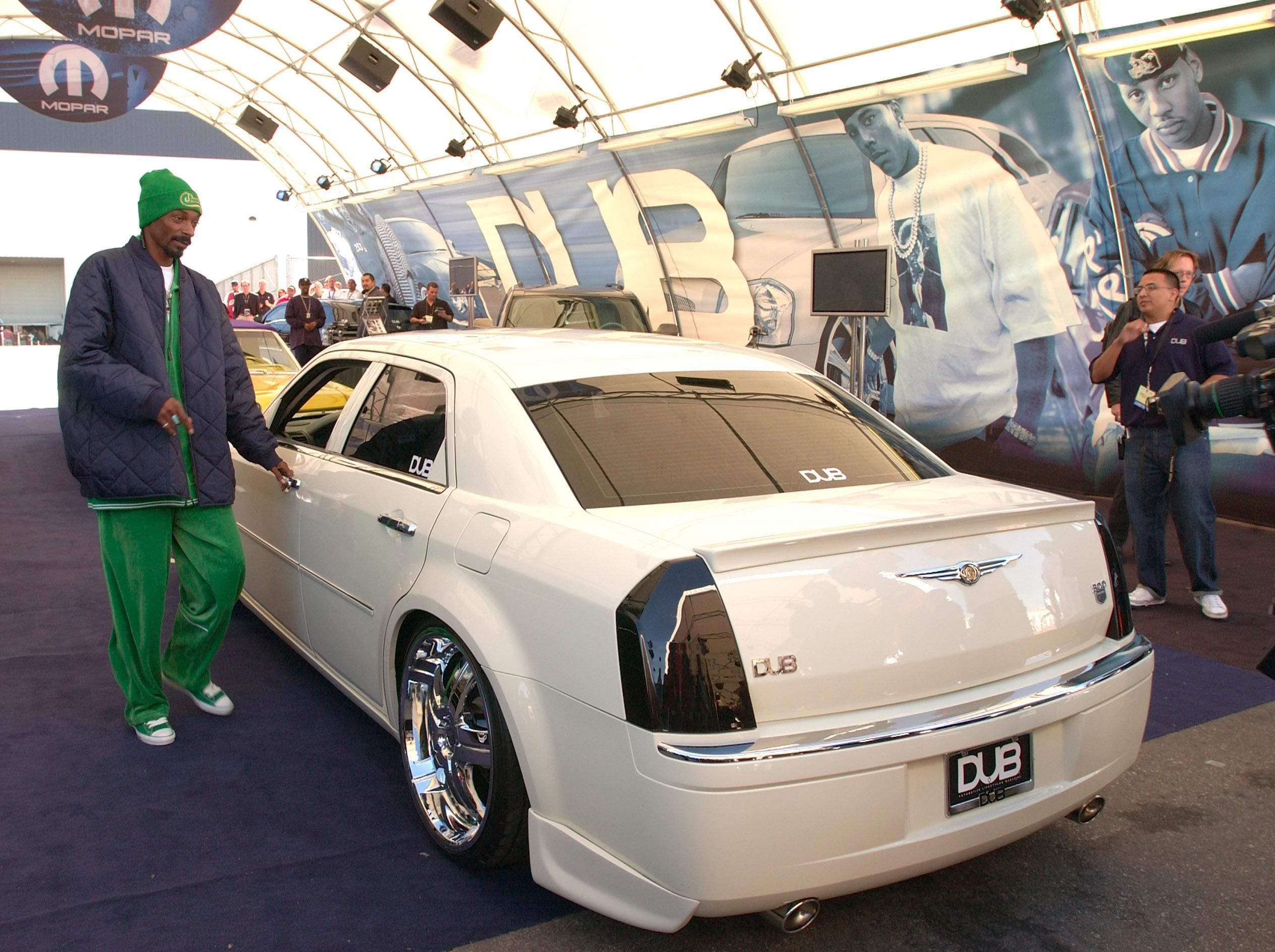 Snoop Dogg S 300 On Ebay Chrysler Chrysler 300c Chrysler 300