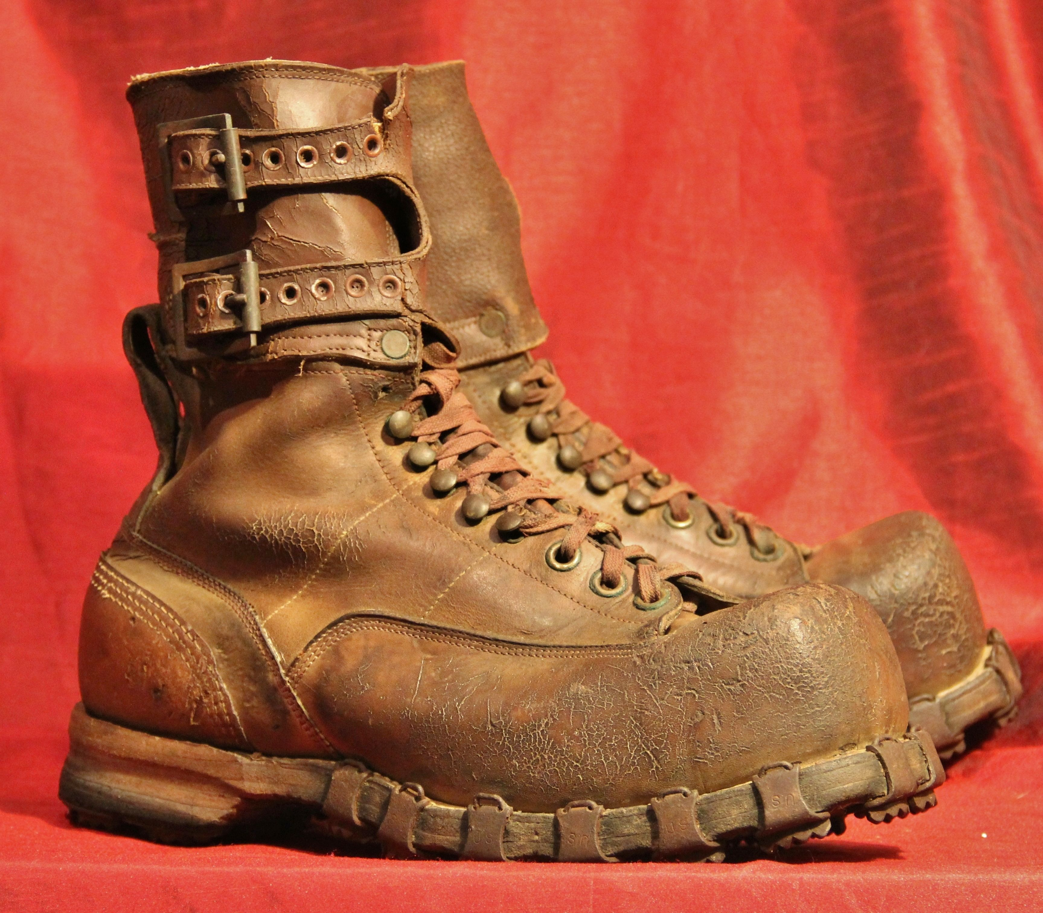 1be8ecce66 This is a crazy rare pair of WWII-era MODIFIED 10th mountain boots ...