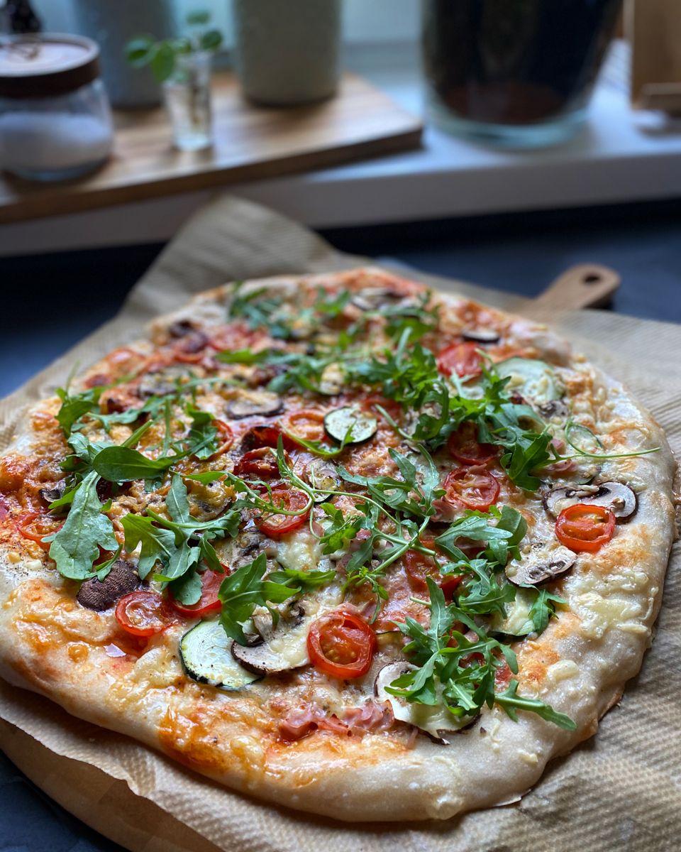 Original Italienischer Pizzateig Mit Frischer Hefe Vegan The Apricot Lady In 2020 Hefe Vegan Internationale Rezepte Rezepte