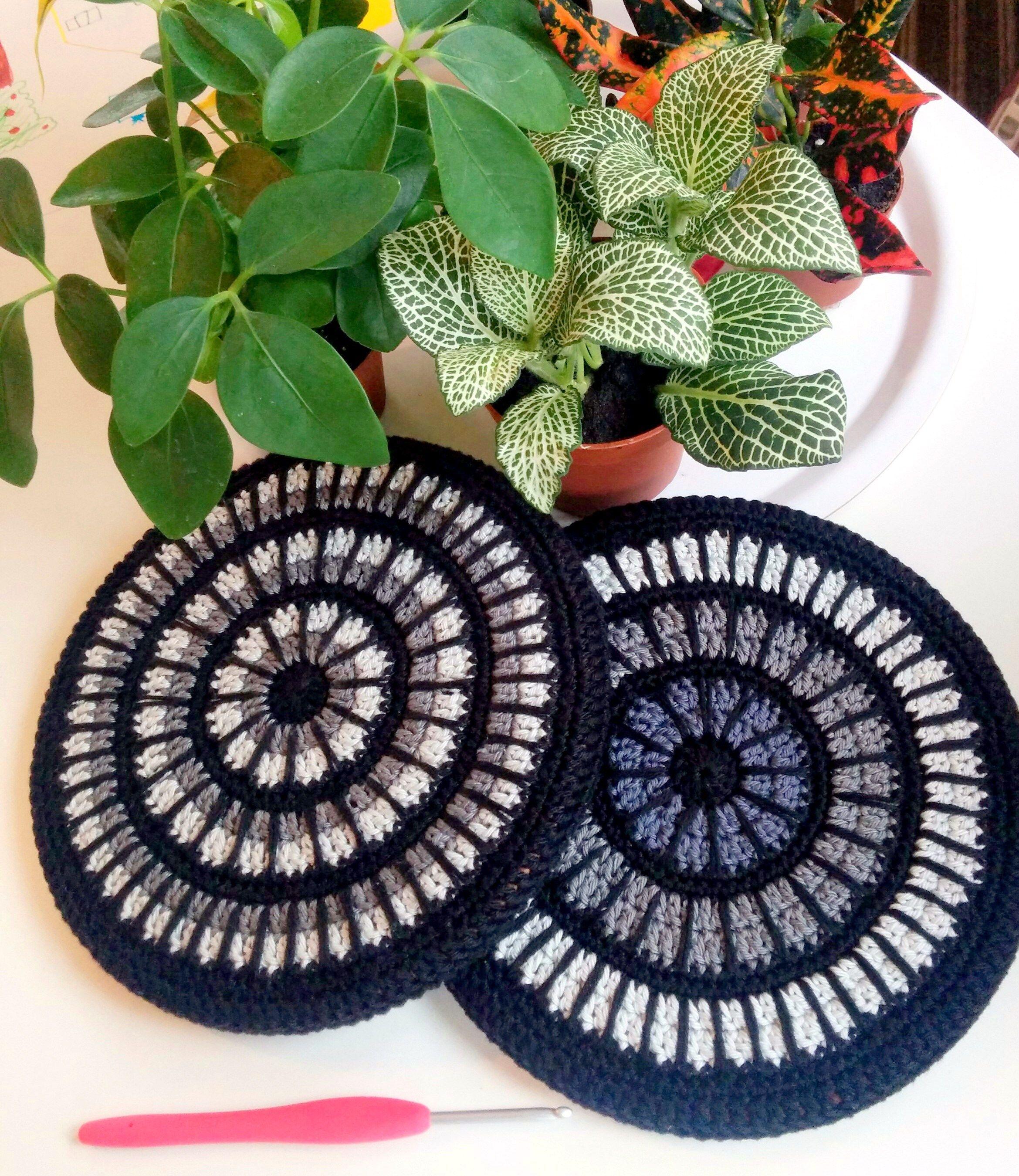 Crochet covers for IKEA cork trivets. Brilliant! | Crochet Mandalas ...