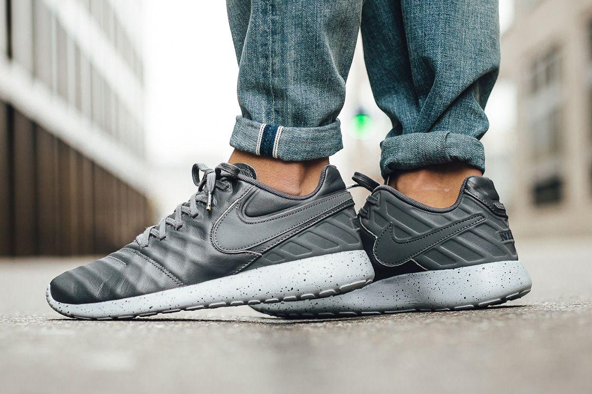 52027c2bf01c6 Nike Roshe Tiempo VI