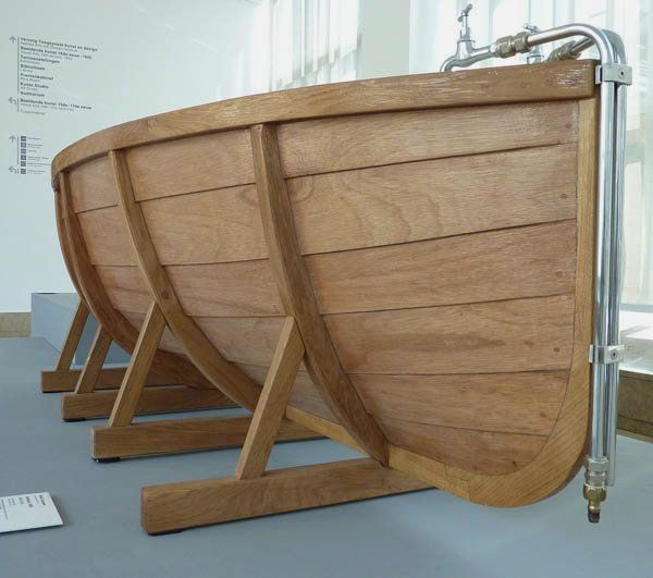 wood tub | detail view of Remarkable Design of Bathtub in Wooden ...