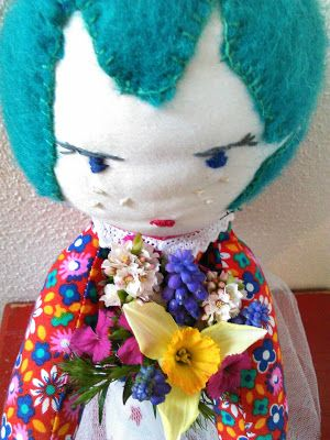Mamme 'naait: Blompop. softtoy, stuffed doll, pop, embroided face, softtoy