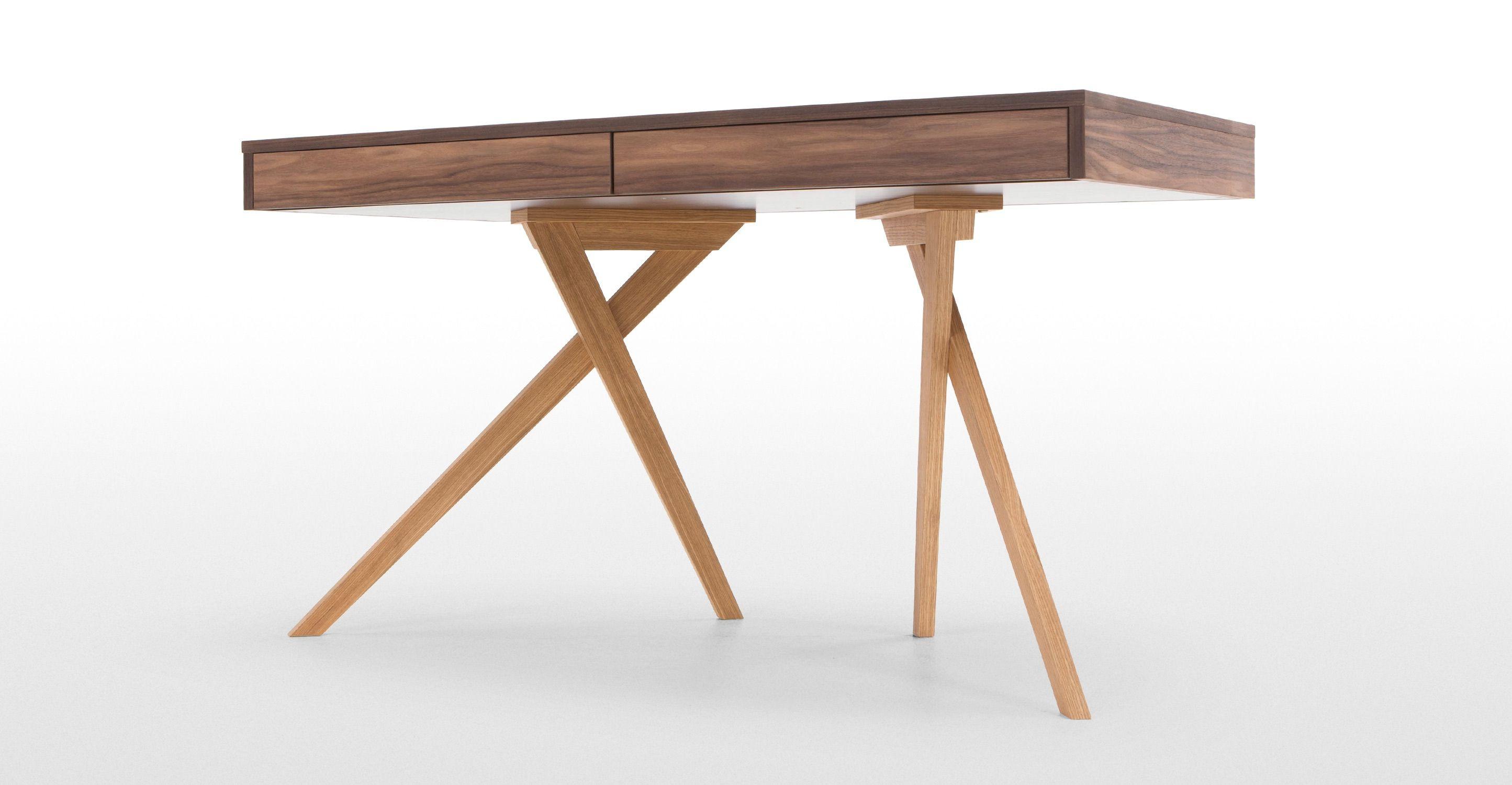 Darcey Desk Walnut And Oak Made Com Schreibtisch Eiche Esszimmerstuhle Weiss Schreibtisch Mit Schubladen