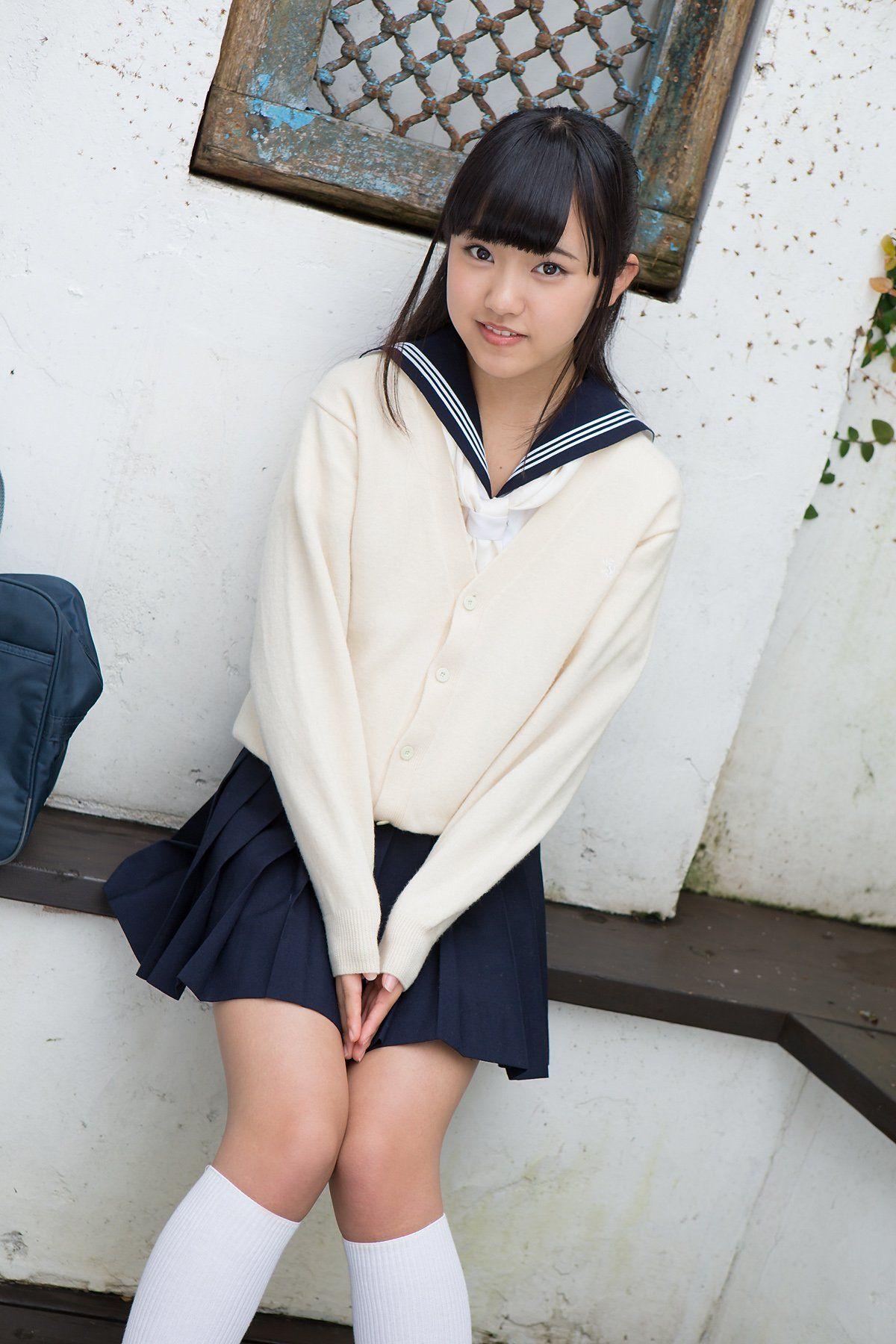 how to look pretty in school uniform