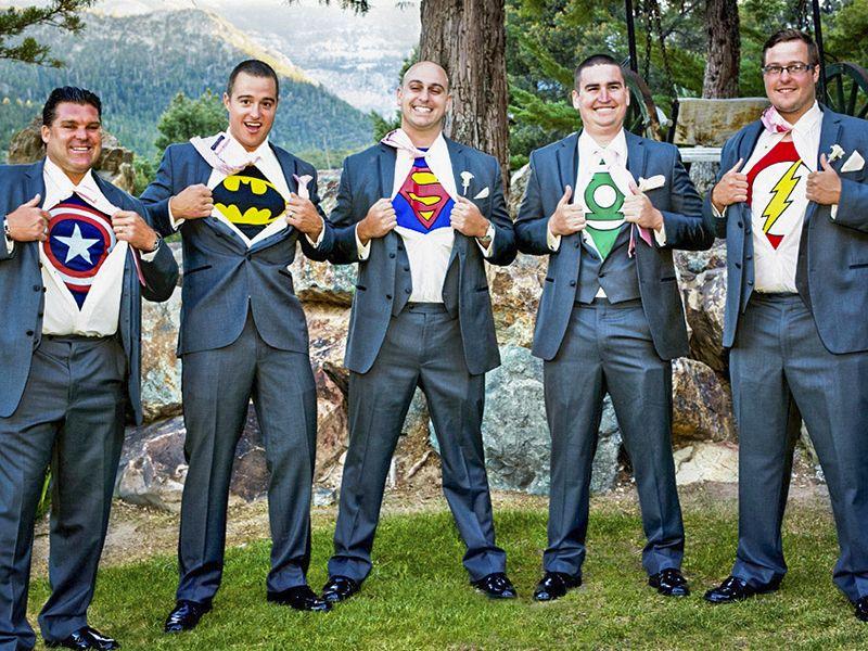 Fun Wedding Photograph Idea For The Groomsmen   Boys Will Be Boys!