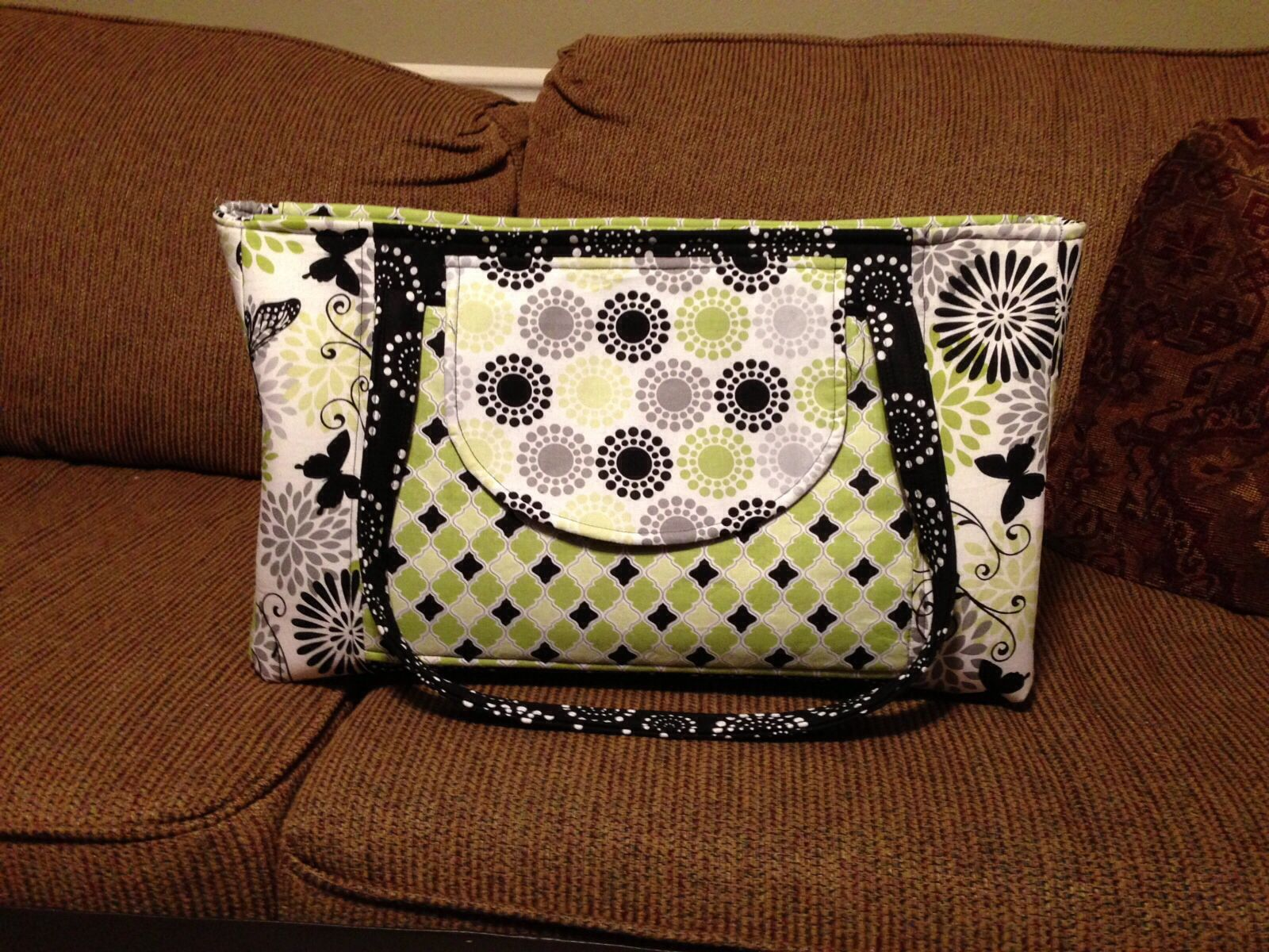 22864b7e0808ec Girly Gym Bag. Quiltsillustrated.com | Quiltsillustrated, Inc ...